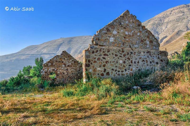 lebanon sannine mountain old house ruins landscaping ... (Sannin, Mont-Liban, Lebanon)