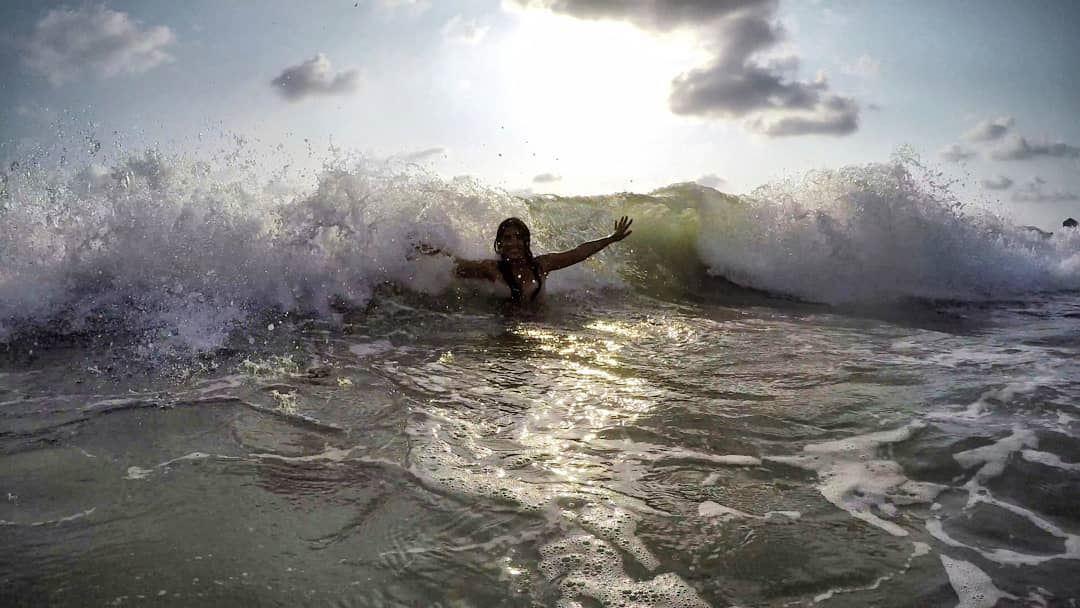 Let the sea set you free.... playingtime waves🌊 funnywaves lebanon ... (Byblos, Lebanon)