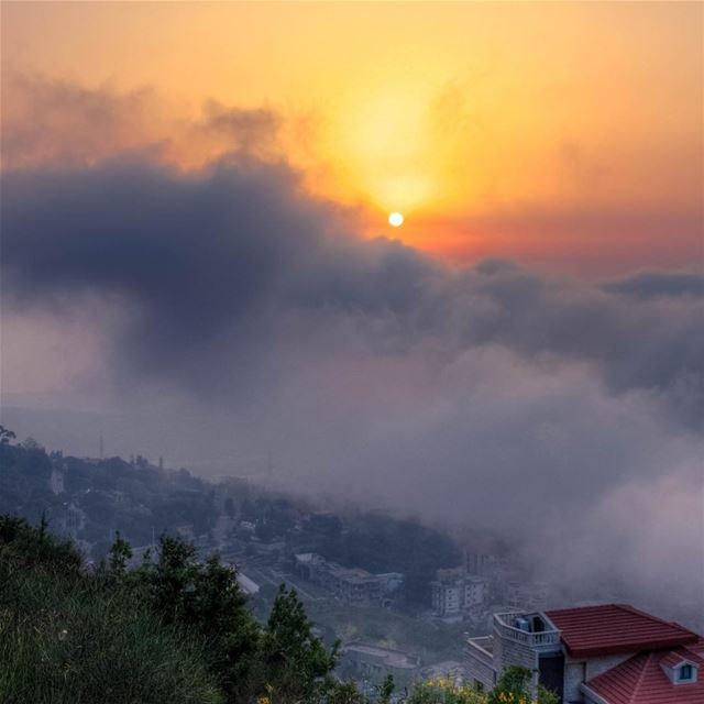 sunset sunshine clouds landscape Aley mountains nature livelovebeirut... (`Alayh, Mont-Liban, Lebanon)