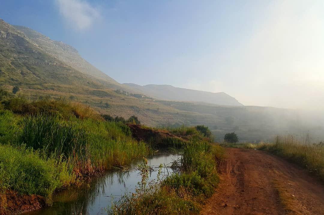 Back on Track ... hiking outdoors livelovekesserwan lebanon ... (Kasrouane)