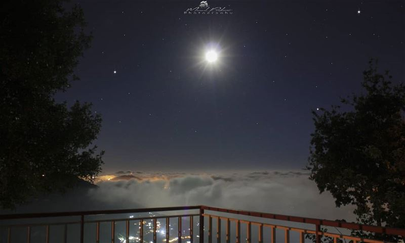 Good evening 🌚 • • • chouf shoufreserve lebanon beirut ... (Balcony View)