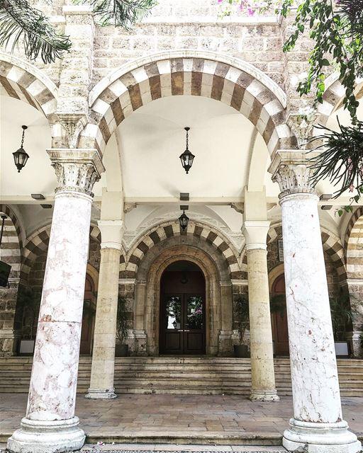 Você sabia que a Igreja Maronita foi fundada por São Maron, um monge sírico (Saint Maron - Gemmayze)