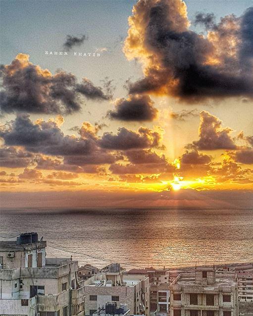 شمس بلادي..شمس الشموس 😁 🇱🇧 * insta_lebanon ig_lebanon ... (Aramoun, Mont-Liban, Lebanon)