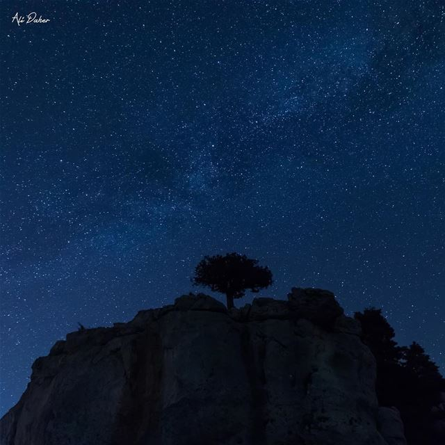 The famous rock in Qamouaa🌌..... milkyway milkywaygalaxy... (El Qâmoûaa, Mont-Liban, Lebanon)