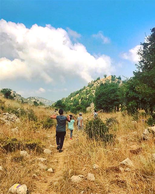 Hiking Douma 🍃🍂.....@livelovedouma @livelove.batroun @livelove.spor (Douma, Liban-Nord, Lebanon)