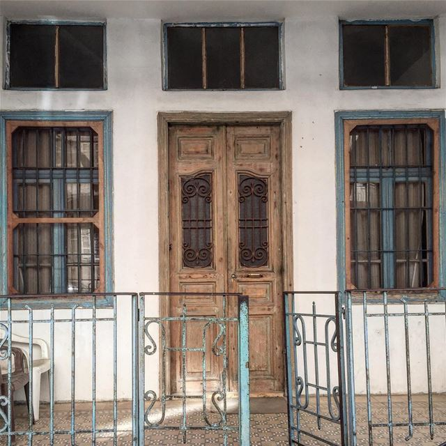 ⏰ morning , have a nice day architecture old door windows beirut ... (Achrafieh, Lebanon)