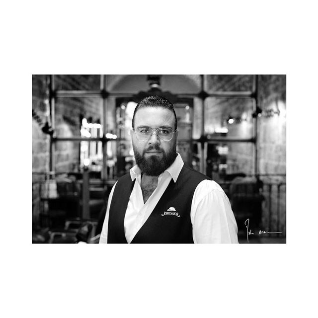 Barbers portraits série @philandjoebarbers ..... barber  barbershop ... (Phil & Joe Barbers)
