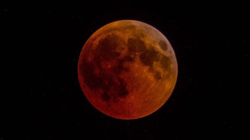 Blood moon superzoom moon red sky night eclipse bloodmoon2018 ... (Beirut, Lebanon)