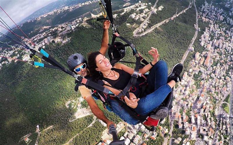 Meditate & levitate😎🌤📷 @paraglidingclubthermique HappySunday ... (Harîssa, Mont-Liban, Lebanon)