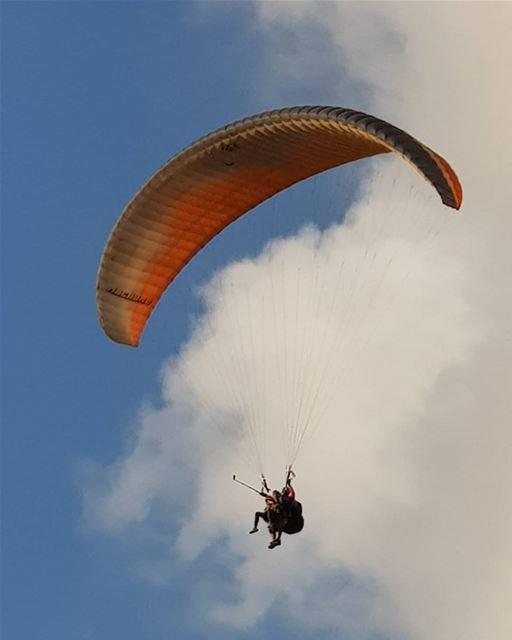 lebanonspotlights Lebanon paragliding ...