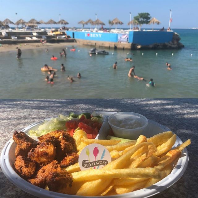 Beach day today 🏊‍♂️ and of course taouk and french fries are a must on... (Beny Beach Bar)