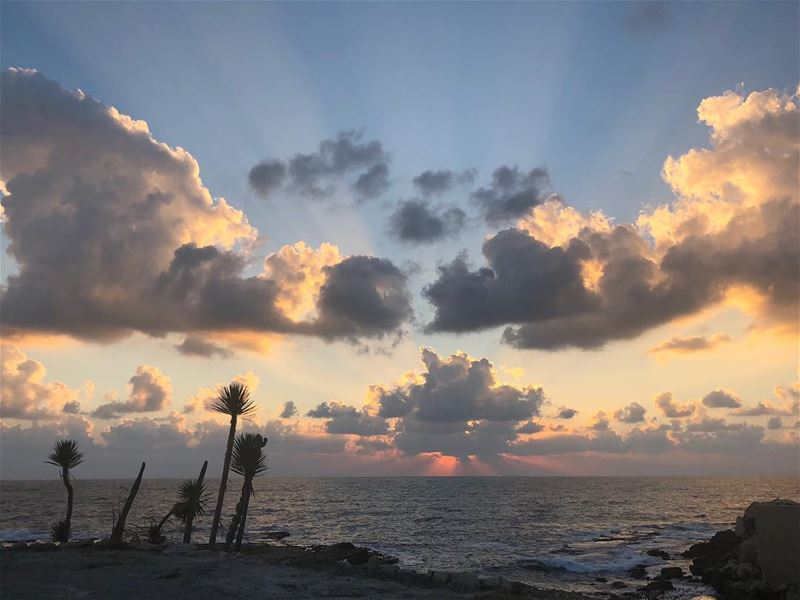 mykindofsunset todayssunset🌅 sunsetlover photographylover📸 (Amchitt, Mont-Liban, Lebanon)