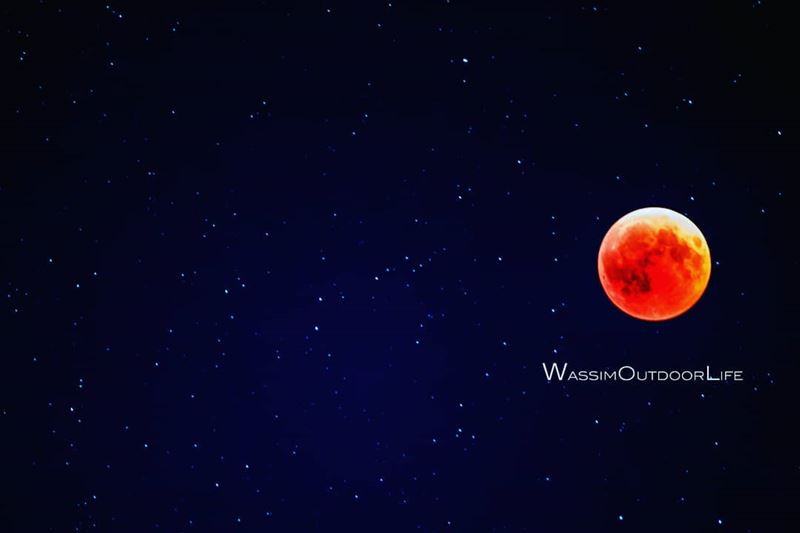 moon mooneclipse2018 stars nightshooters nightphotography ... (Aïn Zhalta, Mont-Liban, Lebanon)