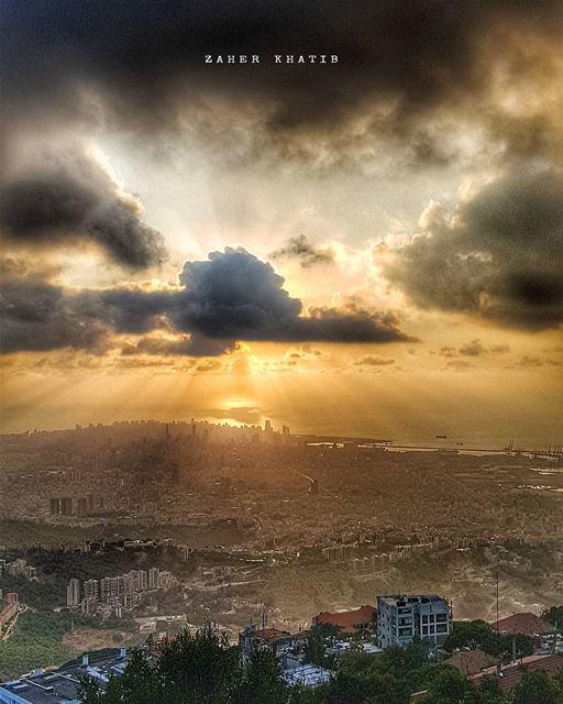 ..وحين أحدّق فيكأرى مدنا ضائعةأرى زمنا قرمزياأرى سبب الموت و الكبرياءأر (Beit Meri, Mont-Liban, Lebanon)