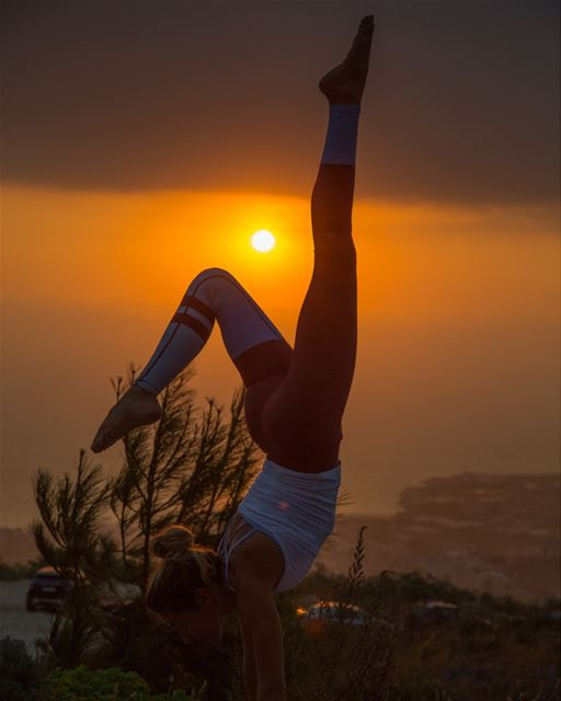Sunset yoga @haventhecabin  sunset  yoga  haventhecabin  chill  igers ... (Haven - the Cabin)