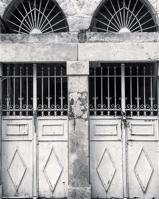 Ctrl C , Ctrl V 🤪 architecture doors design archilovers archlife ... (Gemayzee)