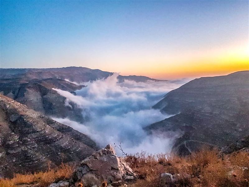 Chabrouh dam totally covered by clouds.... lebanon faraya chabrouh ... (Chabrouh-Faraya)