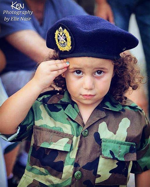 ...وبيقولوا قلال ونكون قلال بلدنا خير وجمالوبيقولوا يقولوا شو هم يقولوا... (Downtown Beirut)