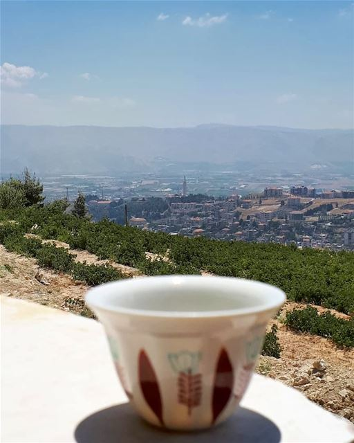 Coffee and this view is all what you needMorning igers 💙---------------- (Zahlé, Lebanon)
