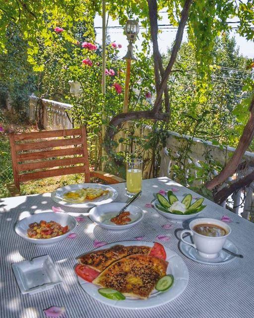 Ehden weekend vibes 😍💙🔆________________________________________... (Ehden, Lebanon)