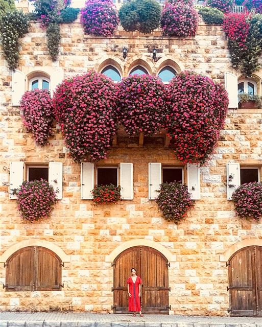 Enjoy life , we only live once 🌺🎉 architecture travel street lebanon... (Brumana, Mont-Liban, Lebanon)
