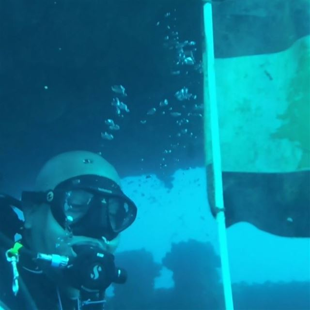 Egyptian diver @h.lotfy08 finds Lebanese flag on Alice B shipwreck 38...
