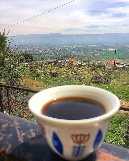 شو الجدول اليومنشرب قهوة بعدين نشرب قهوة بمكان ثاني........ (Zahlé, Lebanon)