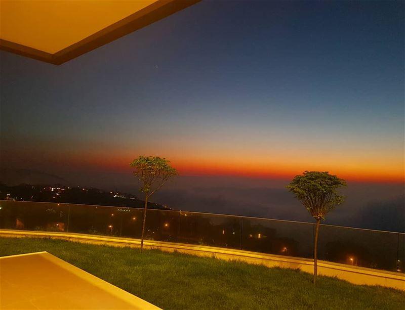 غريبين وليل.....صدفة اجتمعوا🎶🎶 ig_respect ig_lebanon ptk_nature ... (Btalloun, Mont-Liban, Lebanon)