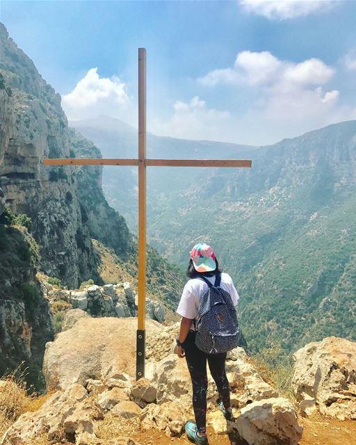 Nature is the art of god.💚 hiking👣 hikingtime hikinggirl ... (Ouâdi Qannoûbîne, Liban-Nord, Lebanon)