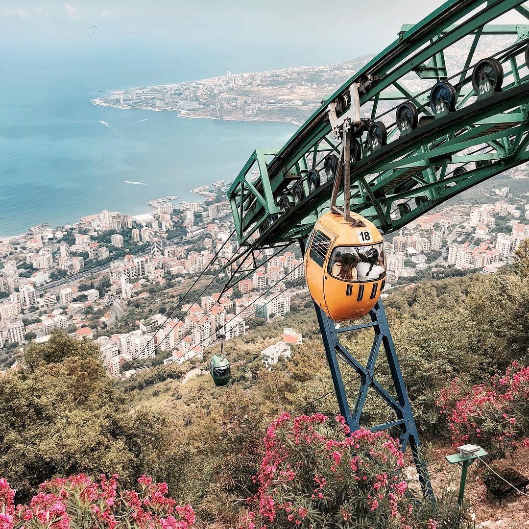 🚡 and the city 😍 Beirut shotoniphone..... way2ill discoverglobe... (Harîssa, Mont-Liban, Lebanon)
