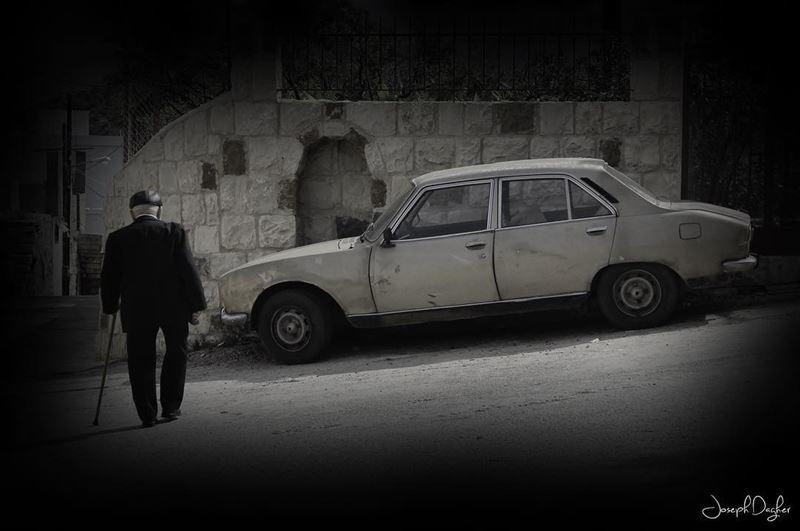 🏴___________________________________________________________... (Kfar Yâchît, Liban-Nord, Lebanon)