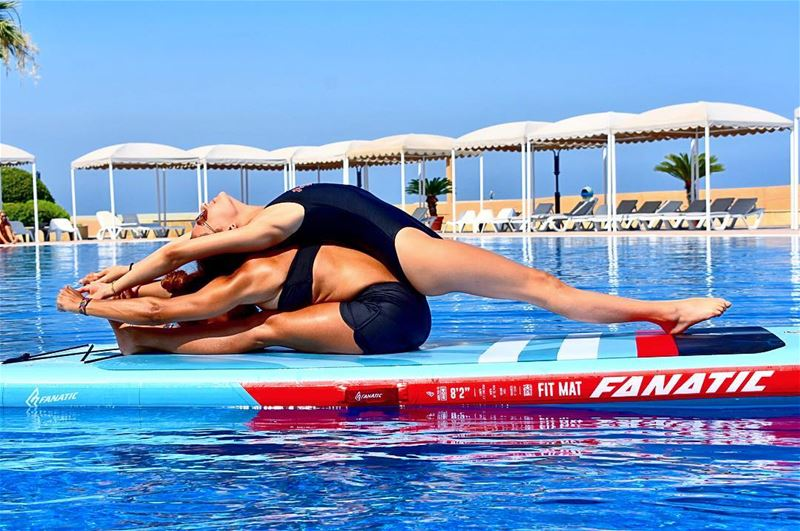 DUO Fit Mat yoga is a great way to challenge your mind and core, even more... (Halate Sur Mer)
