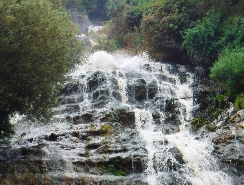 Green&Blue 💚💙 ouyounelsamak waterfall beautiful mountain rocks ... (Ouyoun El Samak Waterfalls)
