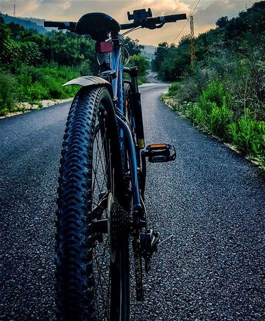 I trust my bici..🚲🍃🍃🍃. myride cyclinglife myway........... (Boqaâta, Mont-Liban, Lebanon)