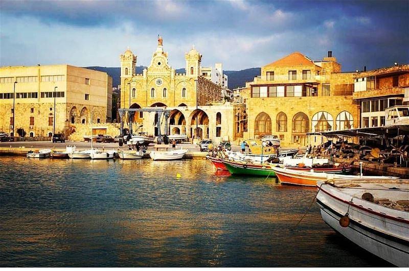 batroun laubergedelamer hotel port marina sea mediterraneansea ... (L'Auberge de la Mer)