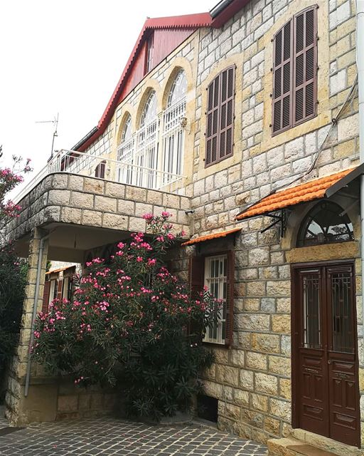 lebanonhouses oldhouse nostalgia architecturaldetails ... (Lebanon)