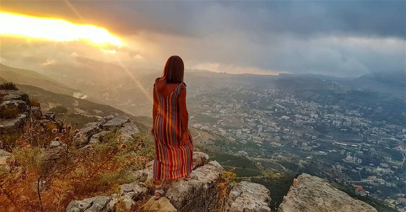 Breathe in the beauty 🌥📍 Faqra @livelovekfardebiane sunsetcolors... (Kfardebian,Mount Lebanon,Lebanon)