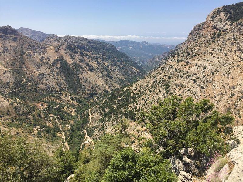 landscape nature outdoors walk neverstopexploring calmversation ... (Tannurin At Tahta, Liban-Nord, Lebanon)