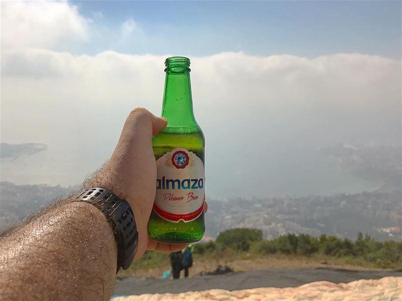 Refresh! 🍺 lebanon🇱🇧 beer 🍻 wein_maher 🤷🏻♂️............. (Lebanon Paragliding)
