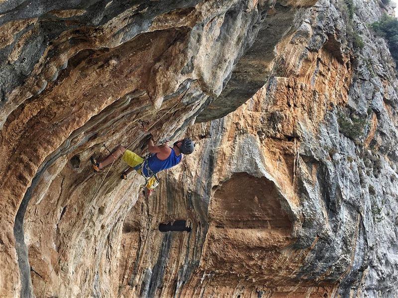 Overhang fun!!.... rockclimbingphotography rockclimbingadventures ...