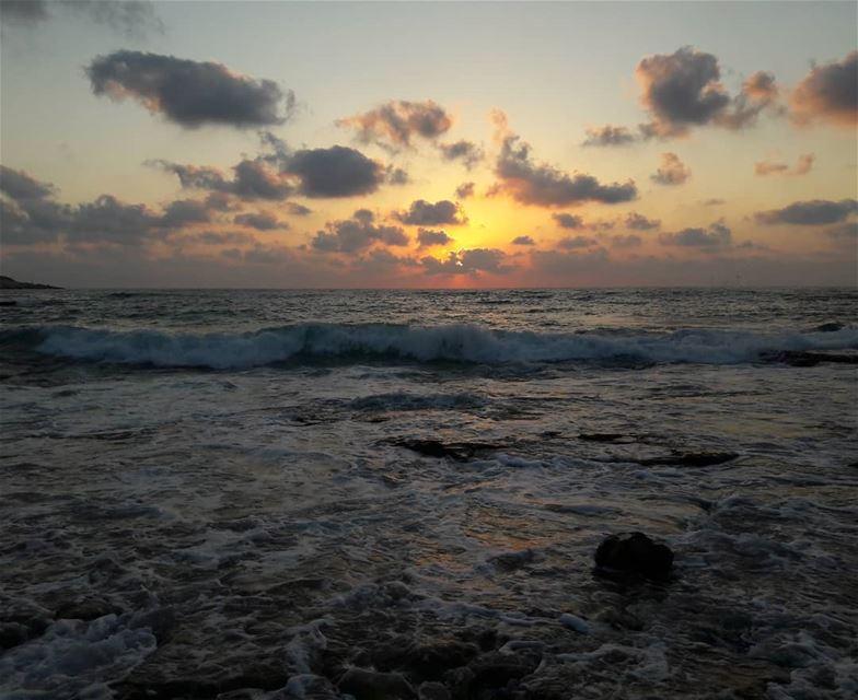 أقصى الجنوب 😊❤ south lebanon naqoura naqourabeach sunset lovely ... (Naqoura)