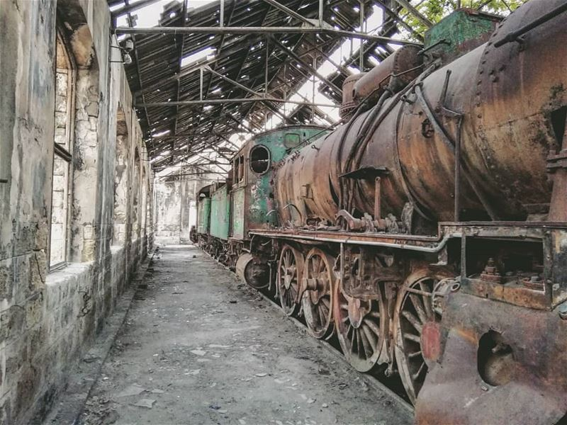 For sale in very good condition...... tripoli vintage trainstation ...