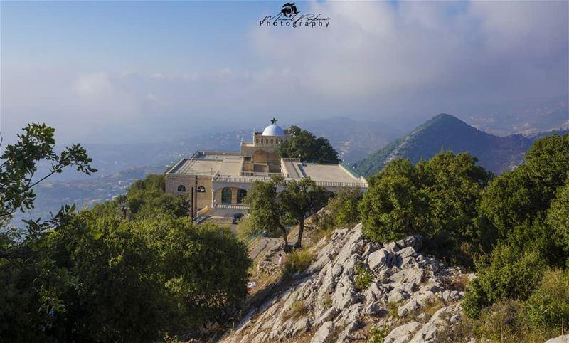 View from the top. • • • chouf shoufreserve lebanon beirut ... (Niha El Chouf)