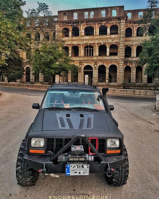 jeep xj sawfar grandhotel lebanon nofilter whatsuplebanon jeepbeef fun...