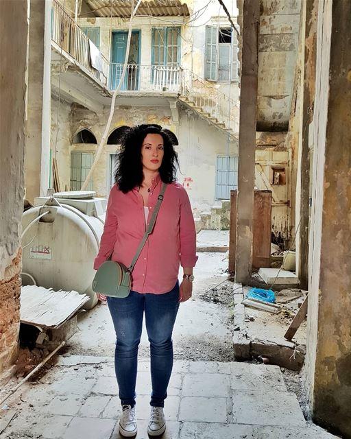 Шел 37 день моего заточения...⠀Колики Рафаэля достигли пика: 5 часов крик (Beirut, Lebanon)
