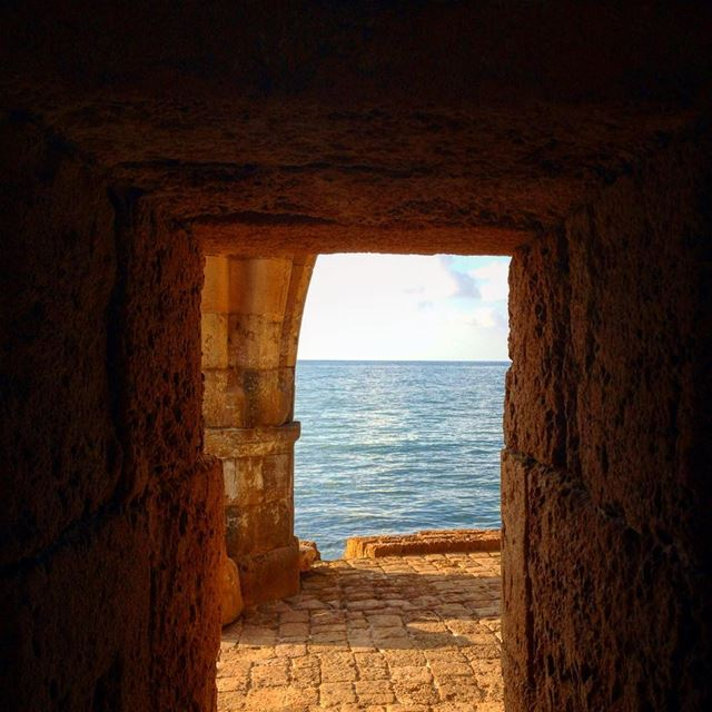 🌊 (Sidon Sea Castle)