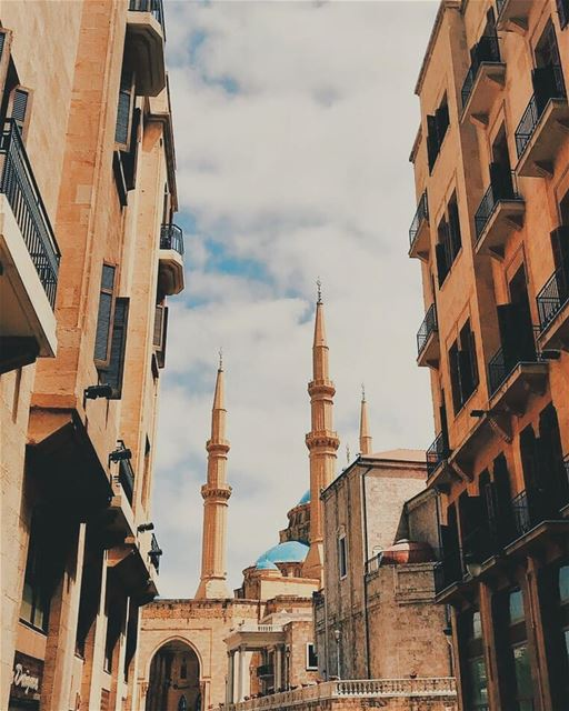 Adha Mubarak to all my dear friends who's celebrating the Happy Eid 🕌 💛- (Lebanon)