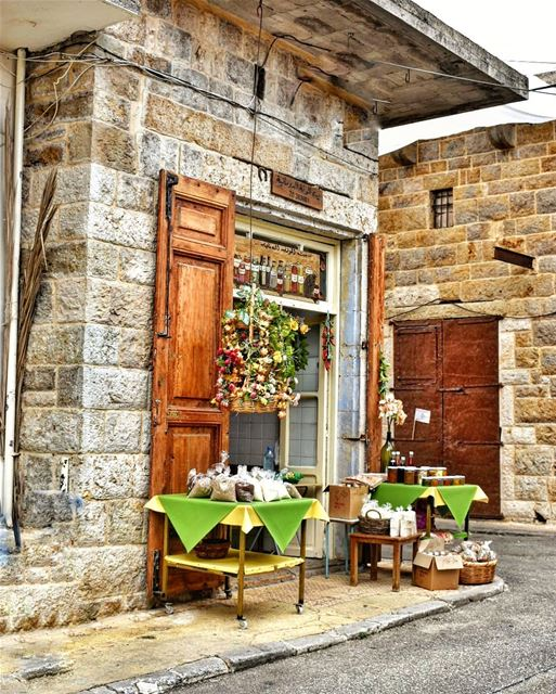 lebanoninapicture ptk_lebanon livelovebeirut insta_lebanon ... (Douma, Liban-Nord, Lebanon)