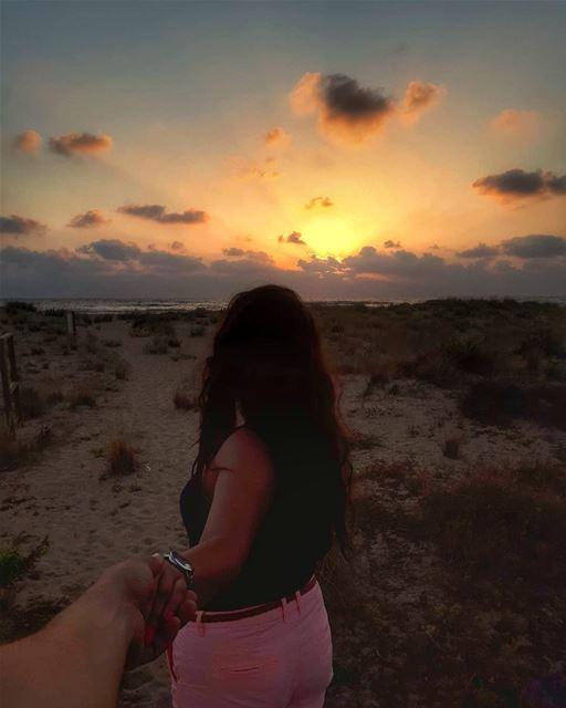 ᴄᴏᴍᴇ ᴡᴀᴛᴄʜ ᴛʜᴇ sᴜɴsᴇᴛ ᴡɪᴛʜ ᴍᴇ 🌅 beach sun sunset nature water ... (Tyre, Lebanon)