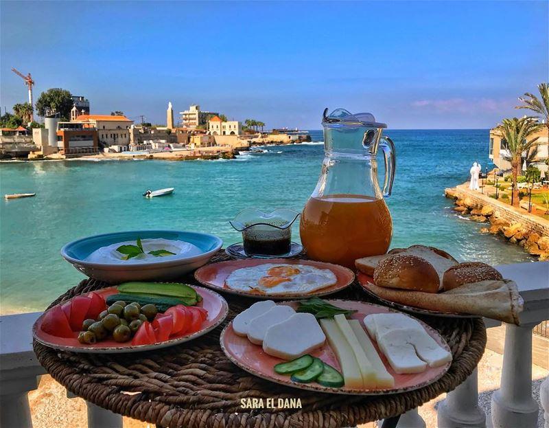 Breakfast is served! 🤤 Happy Eid Everyone ❤️ (Tabarja)